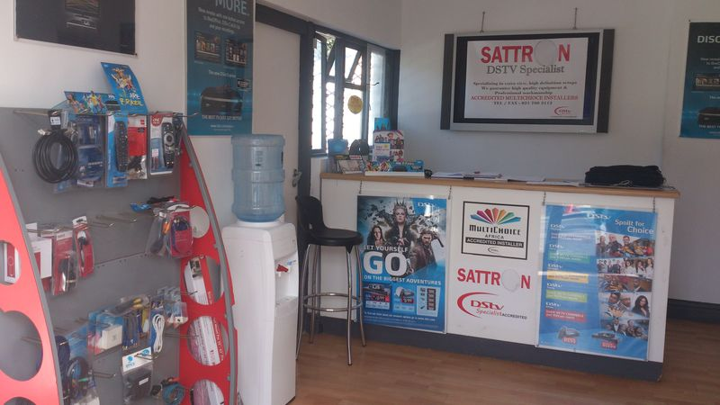 Look inside Sattron shop, test your decoder here why drive to Wynberg.